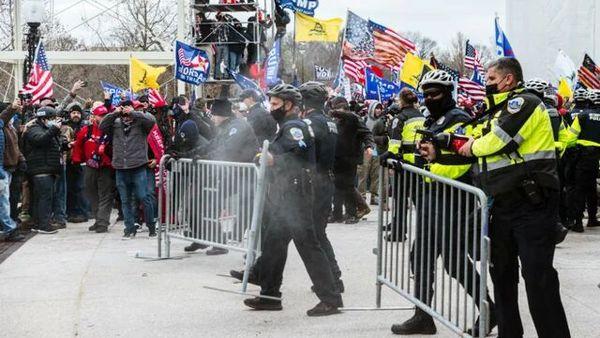 ۶ پلیس کنگره آمریکا اخراج شدند