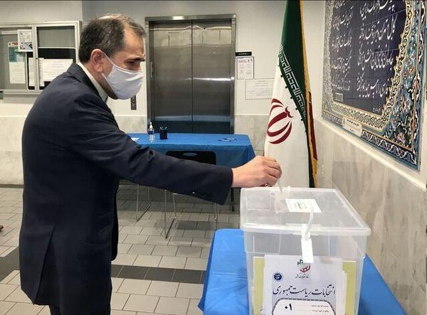 غریبآبادی در سازمان ملل رای خود را به صندوق انداخت