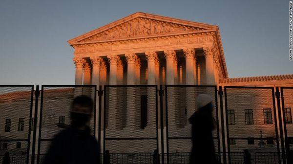 چرا جمهوریخواهان آمریکا با تغییر ترکیب دیوان عالی مخالفاند؟