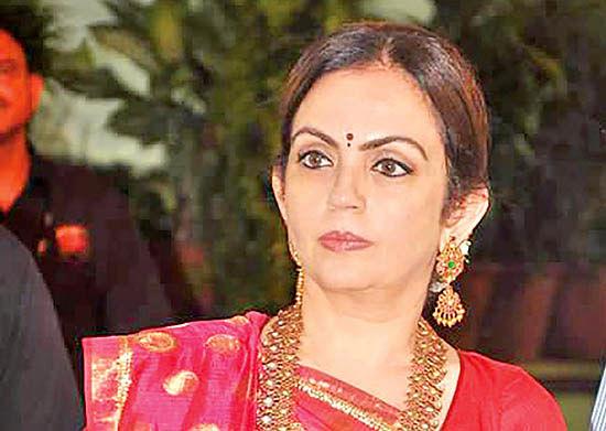 نیتا آمبانی نیکوکار هندی و رئیس و موسس «بنیاد ریلاینس»