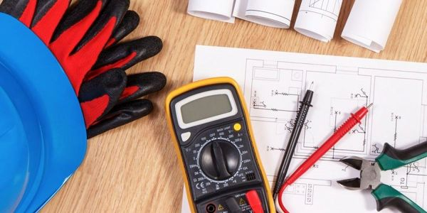 بهترین دوره های آموزشی برق الکترونیک کدام اند؟