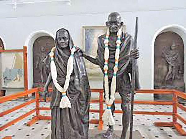 کاخ و مزار گاندی