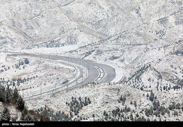 بارش برف در محور کرج ـ چالوس