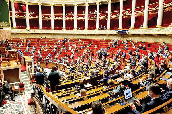 فرانسه علیه اسلام سیاسی