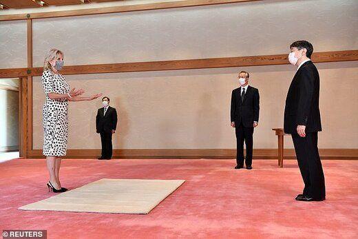 جیل با حضور در کاخ امپراتوری ژاپن با مقامات تشریفاتی این کشور نیز دیدار کرد.