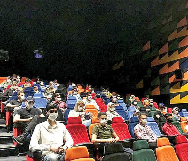 بازار نیمه جان سینما  در محاصره کرونا