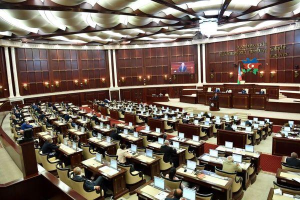 موافقت پارلمان جمهوری آذربایجان با اجرای حکومت نظامی در این کشور