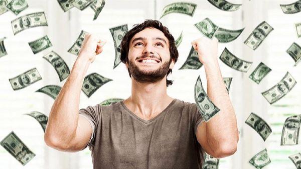 ۴ راه کسب درآمد عجیب در فضای مجازی که فکرش را نمیکنید