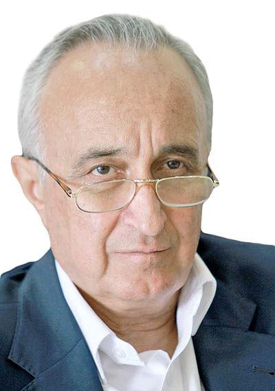 دکتر موسی غنینژاد