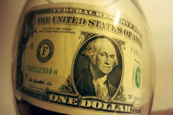 دلار عقب نشینی کرد، یورو افزایش یافت