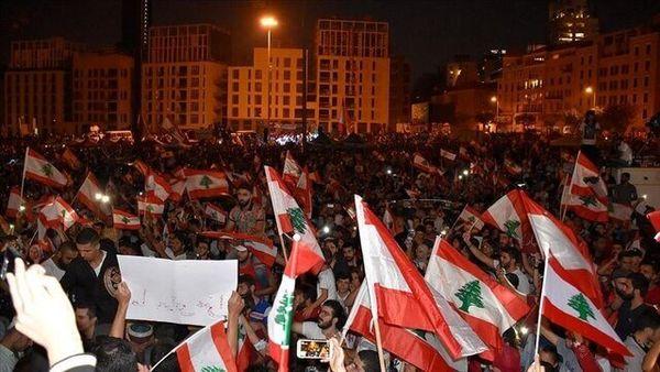 اعتراضات لبنان به خشونت کشیده شد/تلاش معترضان برای ورود به وزارت خارجه