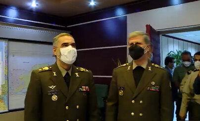 تصویری از اولین روز کاری وزیر جدید دفاع در کنار امیر حاتمی