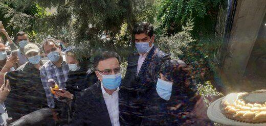 مصطفی تاج زاده با همسرش به وزارت کشور رفت + عکس
