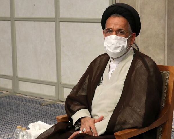 ادای احترام وزیر اطلاعات به مقام شامخ سردار سلیمانی