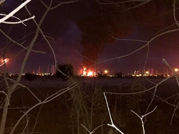 پالایشگاه نفت تهران: آتش به طور کامل مهار شده است