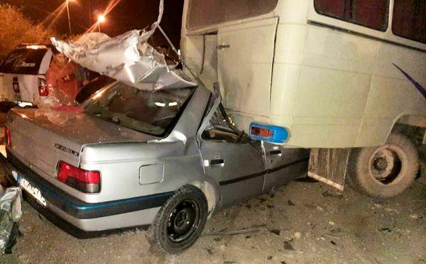 تصادف مرگبار پژو با مینی بوس در سیرجان