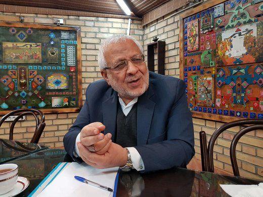 کنایه بادامچیان به تحرکات انتخاباتی احمدی نژاد
