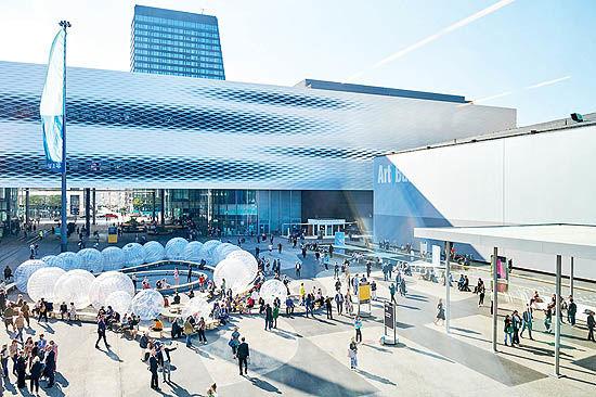 کارنامه بزرگترین نمایشگاه هنری جهان