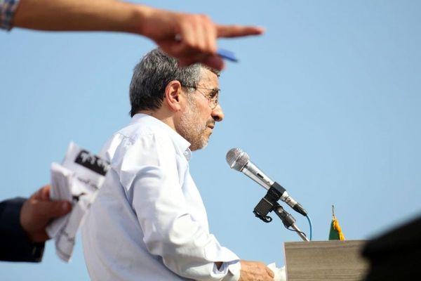 سفر خارجی احمدی نژاد/ حسن روحانی برگشت/ در یک روز ۲۰ هزار فحش به من داده شد