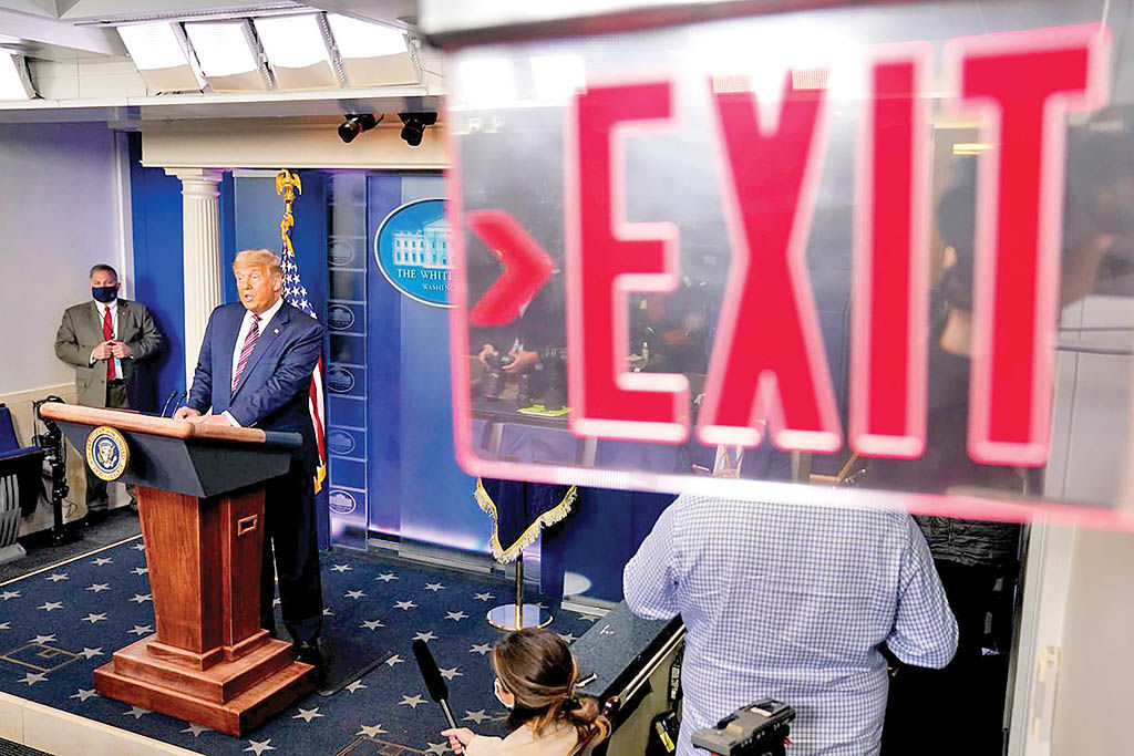 بدرقه پرکنایه ترامپ