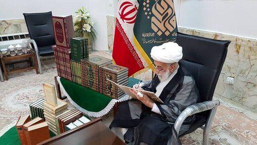 آیت الله جنتی بخشی از کتابخانه خود را اهدا کرد