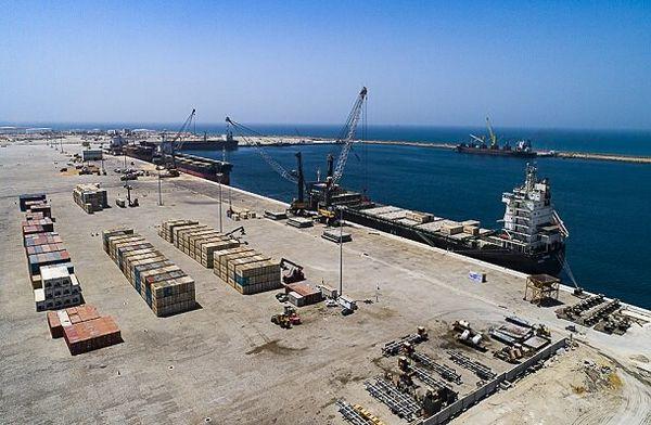 اولین کشتی حامل کالای اساسی به بندر چابهار وارد شد