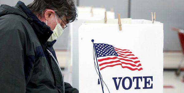 سناتور جمهوریخواه آمریکا: شرکتهای چینی در انتخابات ریاست جمهوری مداخله میکنند