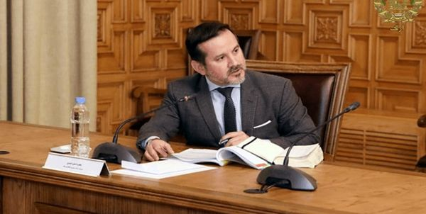 طالبان حقوق رئیس بانک مرکزی پیشین افغانستان را تعلیق کرد