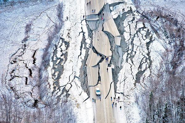 زلزله بزرگ خبر میدهد