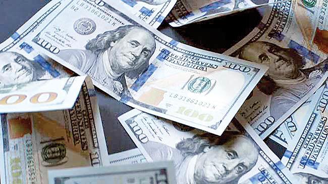 تلاش دو مرحلهای نوسانگیران دلار