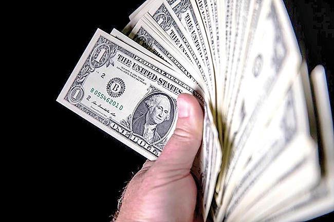 فاصله دلار از کف بیشتر شد