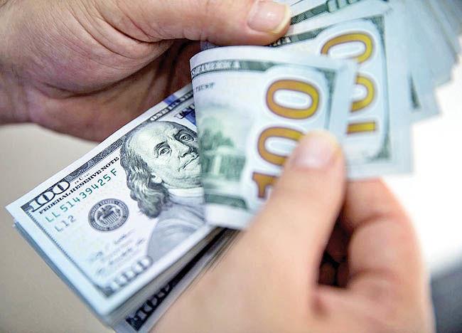 کاهش دامنه نوسان در بازار دلار