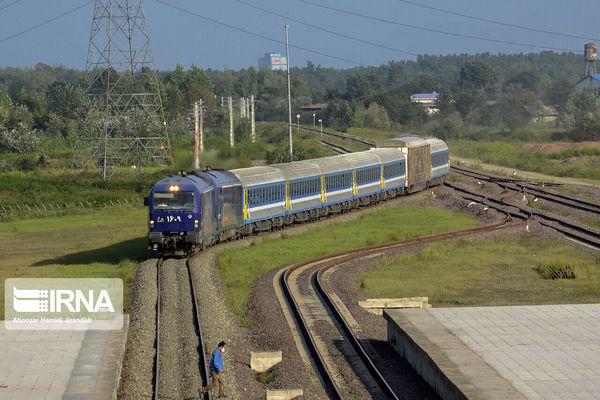 برخورد مرگبار قطار با عابر پیاده در قم