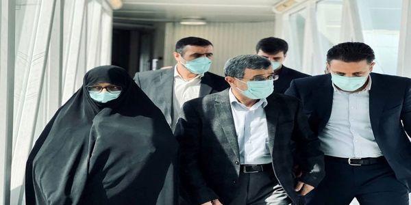 تصویری از احمدی نژاد و همسرش در دبی