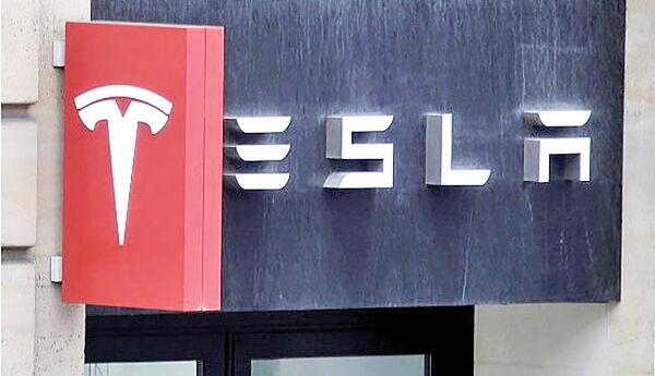تسلا سایت ذخیره اطلاعات خودروهایش را در چین تاسیس کرد