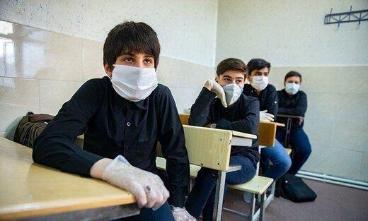 حاجی میرزایی: بازگشایی مدارس تاثیری در افزایش کرونا ندارد