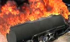 واژگونی و آتشسوزی یک تانکر حامل سوخت + عکس