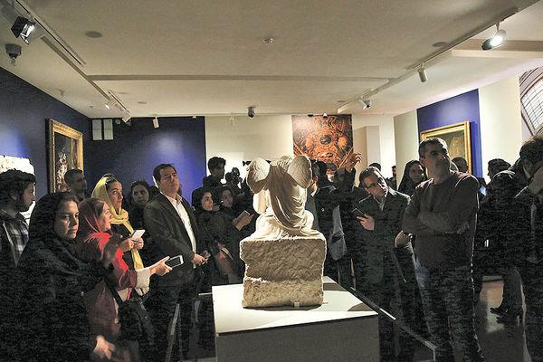 بازدیدکنندگان از «لوور تهران» بیرون رانده شدند