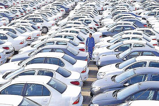 نرخ ارز؛ قطبنمای بازار خودرو