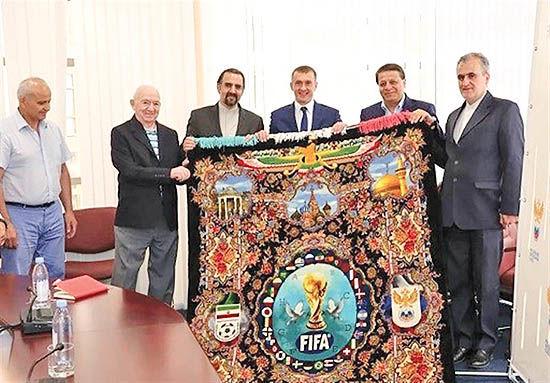 اهدای فرش دستباف به روسها