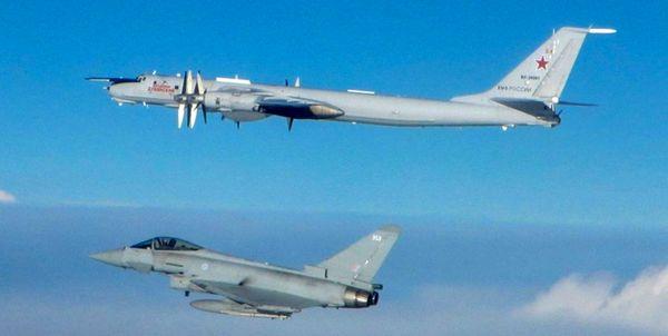 رهگیری دو «توپولوف» روسیه از سوی جنگندههای انگلیس