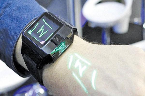 تولید ساعت هوشمندی که ویدئو پروژکتور میشود