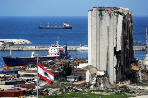 نخست وزیر سابق لبنان به دلیل انفجار بیروت احضار شد