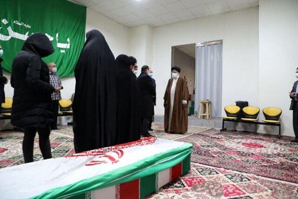 دیدار رییس قوه قضاییه با خانواده شهید فخریزاده+ عکس