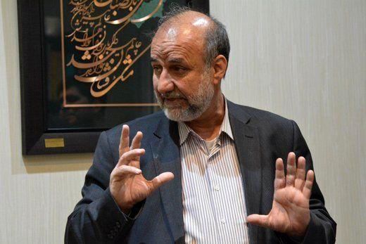 حضور احمدی نژاد در انتخابات 1400 برای اصولگرایان دردسرساز می شود؟