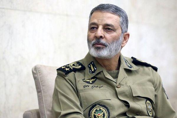 فرمانده کل ارتش: حق انتقام از دشمنان برای ایران محفوظ است