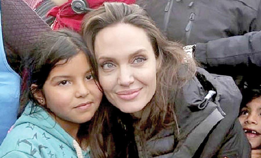بازدید آنجلینا جولی از کمپ پناهندگان سوری