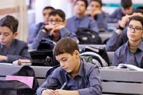 ۲۵ درصد دانشآموزان بهدلیل نداشتن گوشی هوشمند ترک تحصیل کردهاند