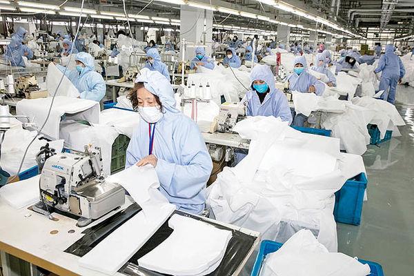 ضربه ویروسی به صنعت جهان