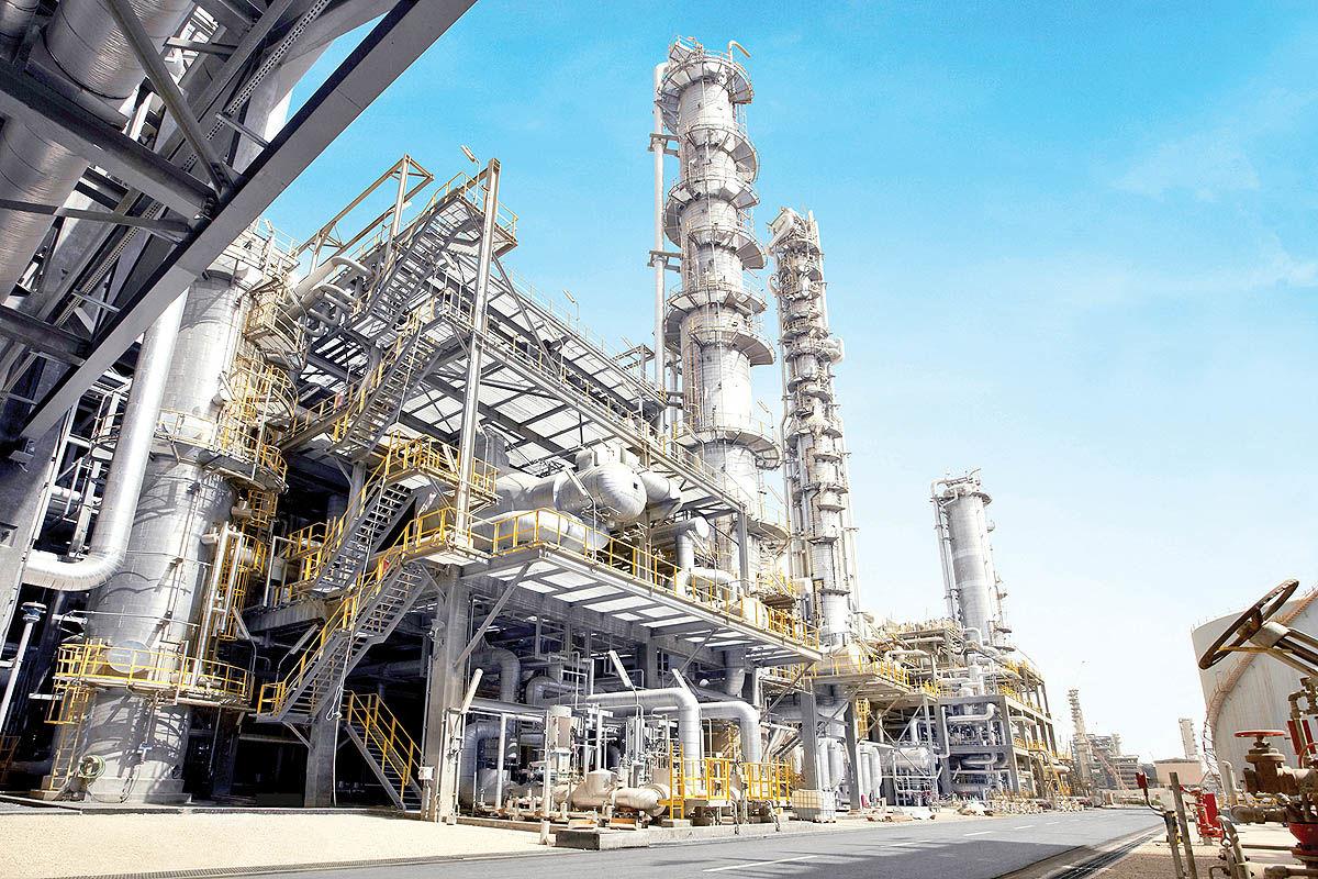 نگاه راهبردی  به موضوعات  نفت، گاز و پتروشیمی